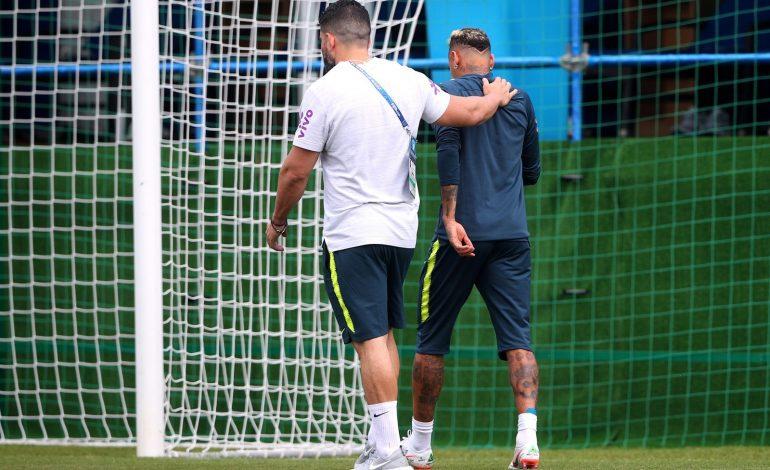 Neymar abandona treino mancando e com dores no tornozelo, mas CBF o garante no próximo jogo