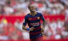 Pai de Neymar confirma oferta do Manchester United ao craque