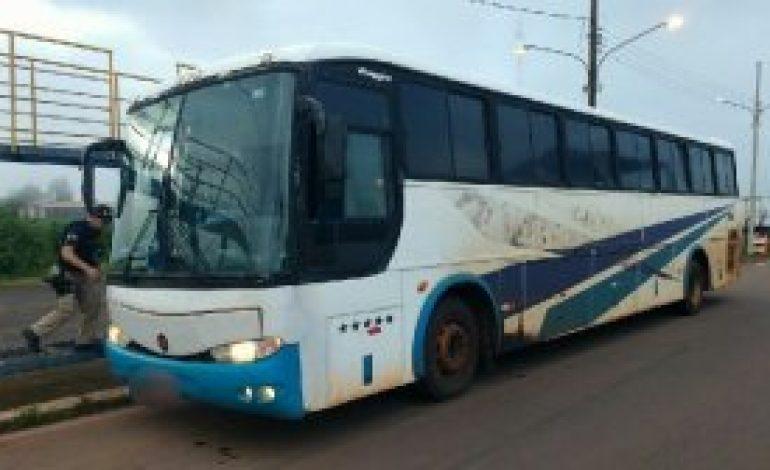 Carga milionária de eletrônicos é apreendida pela PRF; produtos estavam em ônibus