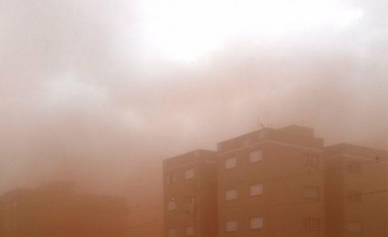 """Choque térmico fez """"levantar poeirão"""" em Dourados"""