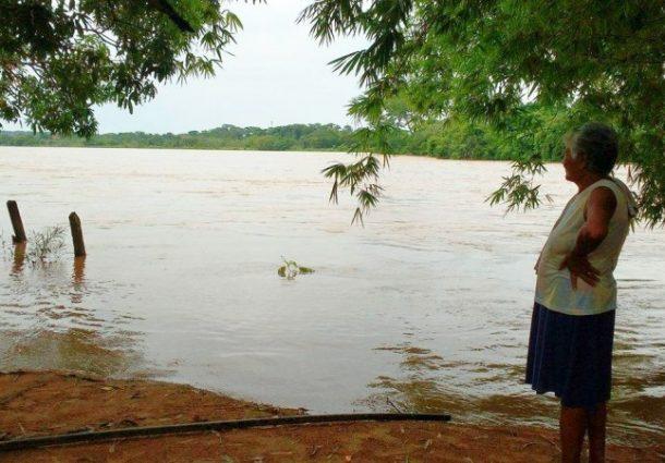 Defesa Civil é acionada pelo Imasul para retirar ribeirinhos do rio Taquari