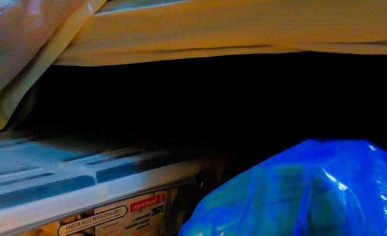 Mulher faz aborto e esconde feto embaixo da cama