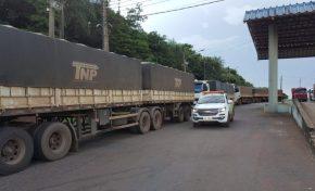 Sefaz apreende 15 carretas transportando soja com notas fiscais falsas