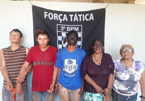 Indígenas são presos suspeitos de invadirem chácara e fazer reféns