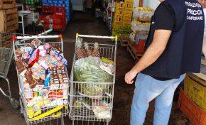 Após denúncia de cliente, Procon da Capital flagra produtos vencidos em supermercado