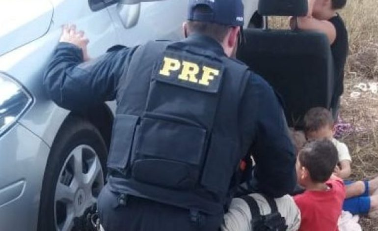PRF apreende mais de cem quilos de cocaína com casal que levava os 3 filhos no veículo
