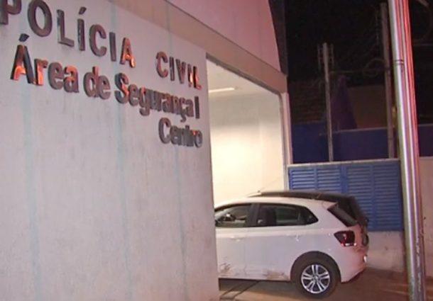 Assaltante se entrega à polícia com carro roubado de motorista de Uber