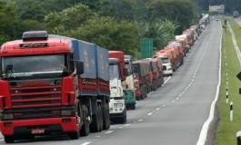 Número de trechos bloqueados por caminhoneiros sobe para 36, em nove Estados