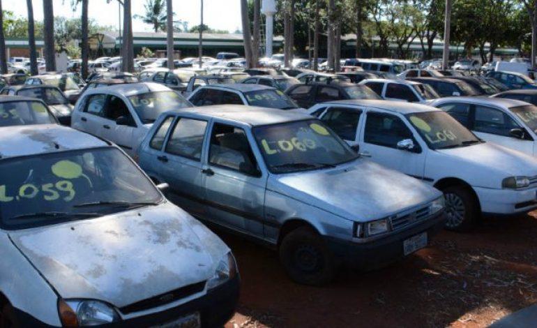 Caso donos não paguem dívida, mais de 7 mil veículos irão a leilão em MS