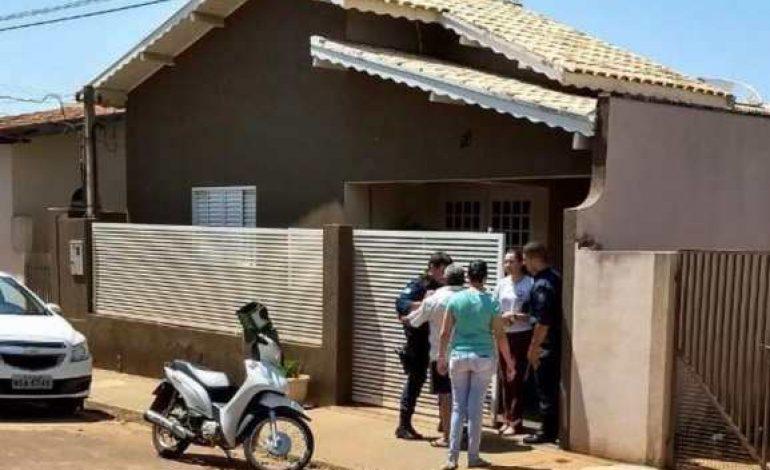 Ex-vereadora e seu pai são encontrados mortos dentro de casa