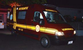 Colisão entre moto e caminhão deixa jovem gravemente ferido em Anastácio